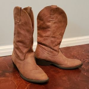 Brown cowgirl boots Excellent condition!